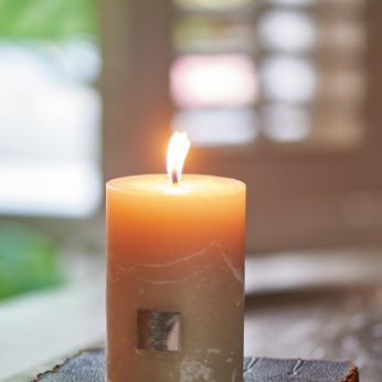 Rustic desert sand Candle 7 x 10